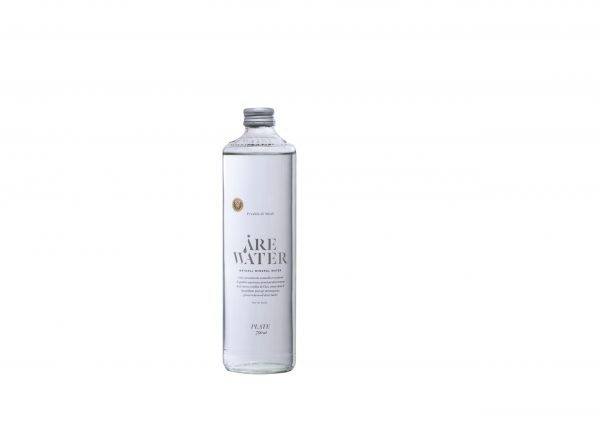 ARE WATER fles plat water